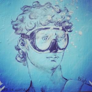 David-under-water-street-art-in-Florence-by-Blub